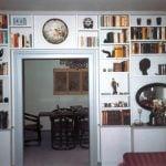 Bücherregal mit Tür Überbau, Schreinerei München Haar, Einbauregal.